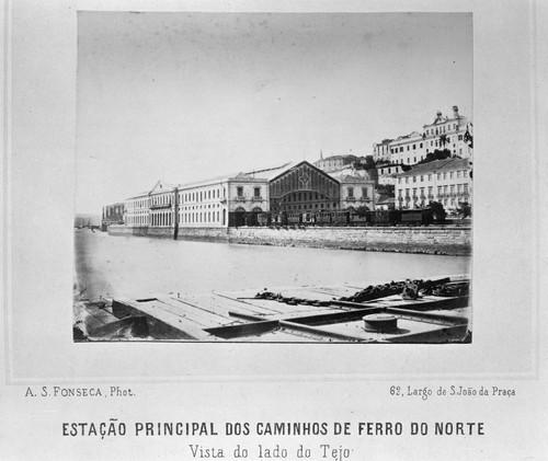 Estação de Santa Apolónia, século XIX, por Estúdio Mário Novais