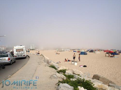 Praia da Figueira da Foz com nevoeiro. Figueira da Foz beach with fog
