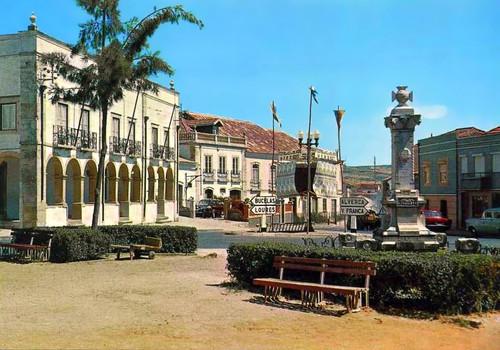 ARRUDA DOS VINHOS - Praça José Vaz Monteiro.