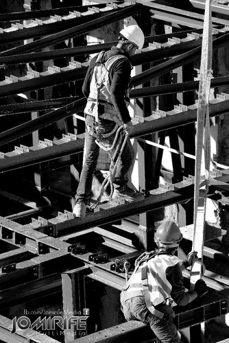 Photo Black and White - Men at work