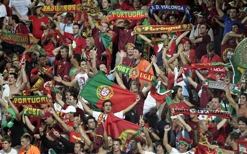 supporters%20portugal.jpg