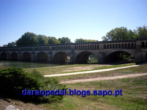 Canal_midi_dia_04_06.JPG