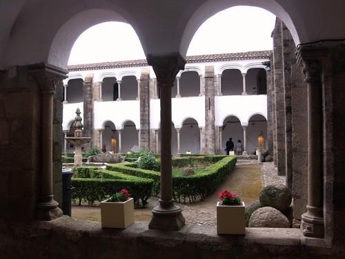 Convento S. Bernardo - claustro.jpg