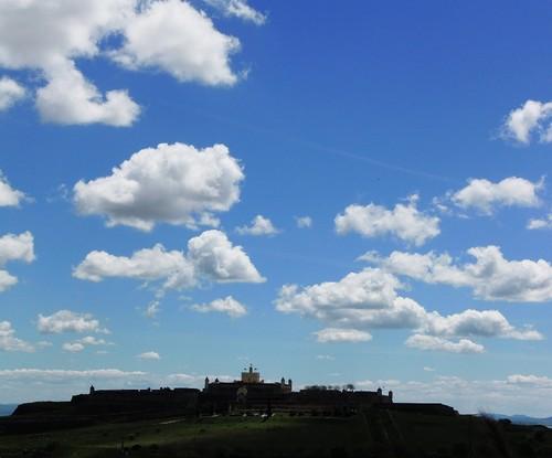 Forte de Stª Luzia e nuvens.JPG
