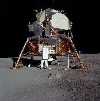 800px-5927_NASA.jpg