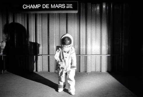 Metropolisson-Janol-Apin-Metro-Champ-de-Mars-.jpg