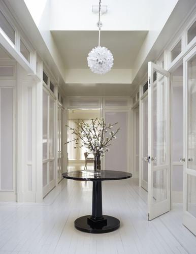gallery-1466181424-gwyneth-paltrow-foyer.jpg