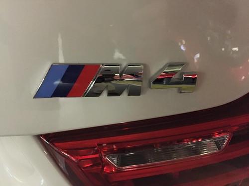 BMWM4CABRIO7.jpg