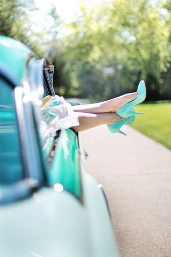 womans-legs-887286_1920.jpg