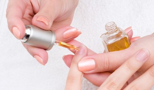 11789-how-to-use-cuticle-oil.jpg
