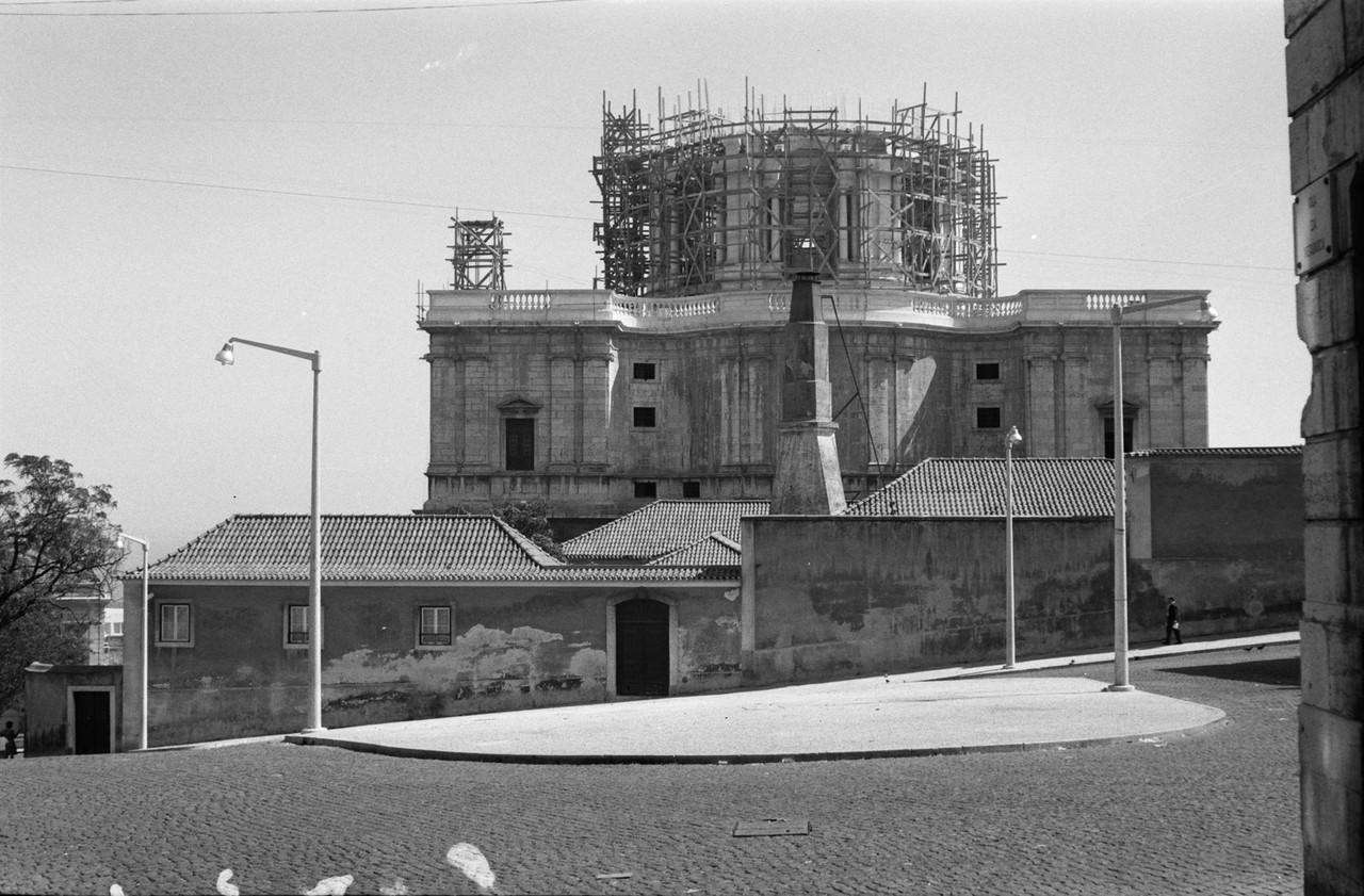Igreja de Santa Engrácia em obras.jpg