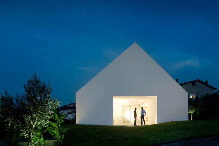 Leiria-House-06-3-750x499.jpg