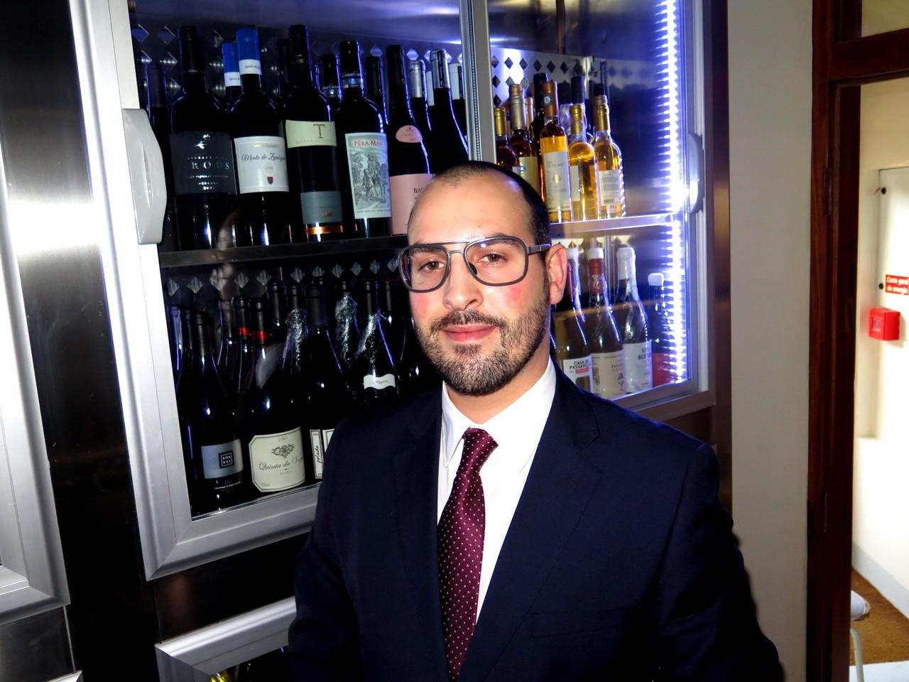 A garrafeira e o escanção Carlos Monteiro
