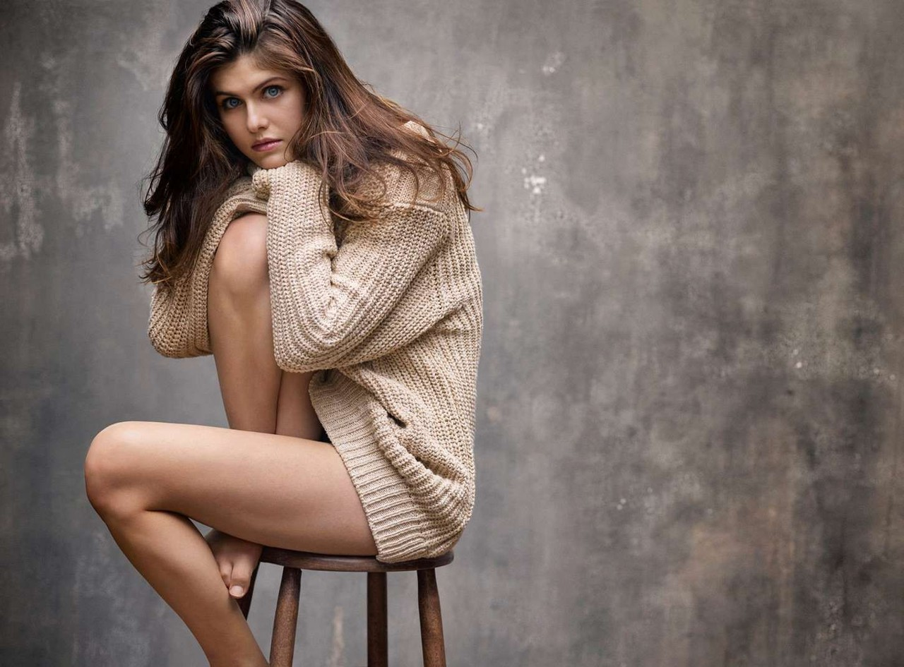 alexandra-daddario-in-details-magazine-may-2015-03
