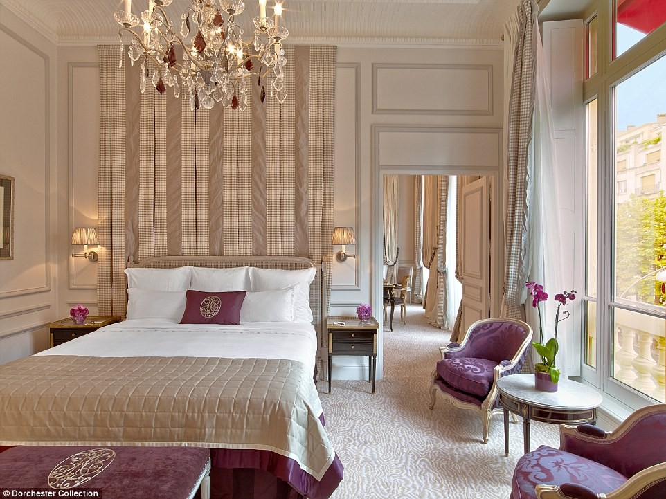 1413996501708_wps_9_Hotel_Plaza_Athenee_Suite.jpg