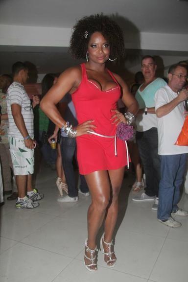 Adriana Bombom (dançarina & apresentadora)