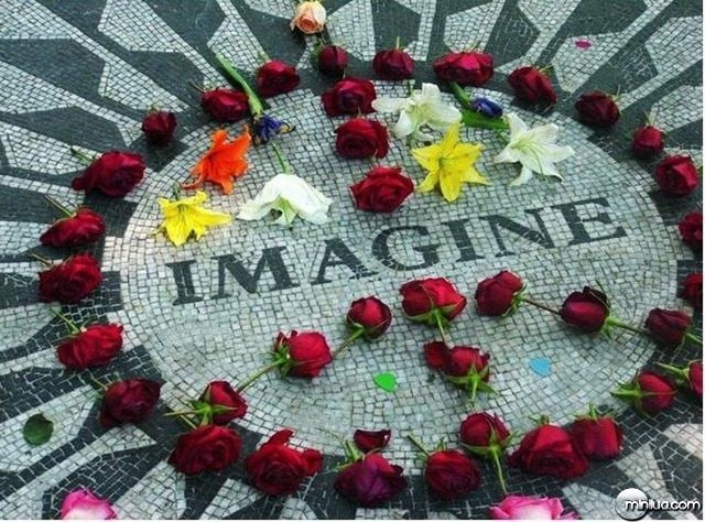 43c5_JohnLennonmemorial.jpg