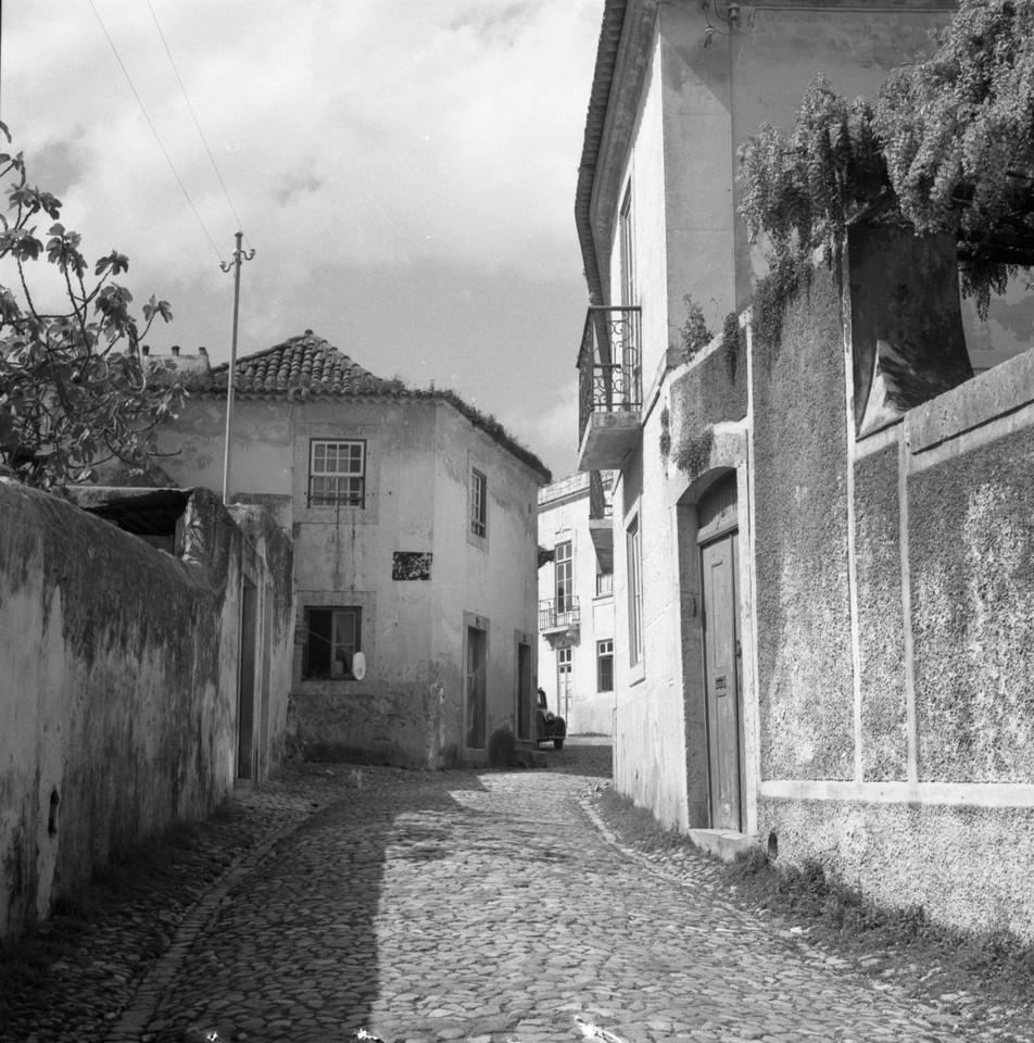Rua Esquerda, ao Paço do Lumiar.jpg