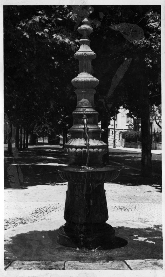 Fontenário na Av. António Augusto de Aguiar.jpg