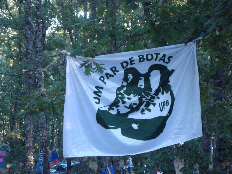 bandeira_acampamento.jpeg