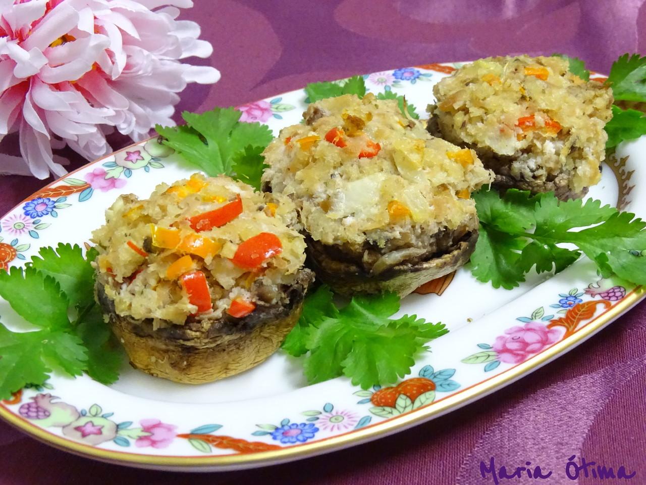 Cogumelos recheados com atum_Maria Ótima.jpg