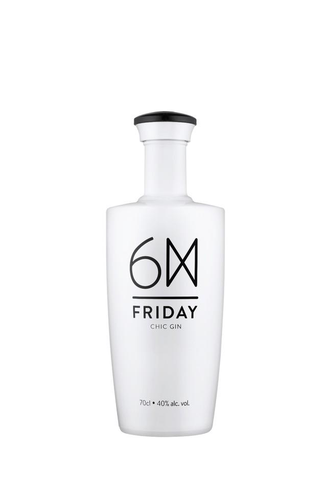Friday Chic Gin_Garrafa.jpg