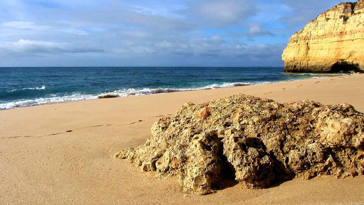 praia de centeanes lagoa.jpg