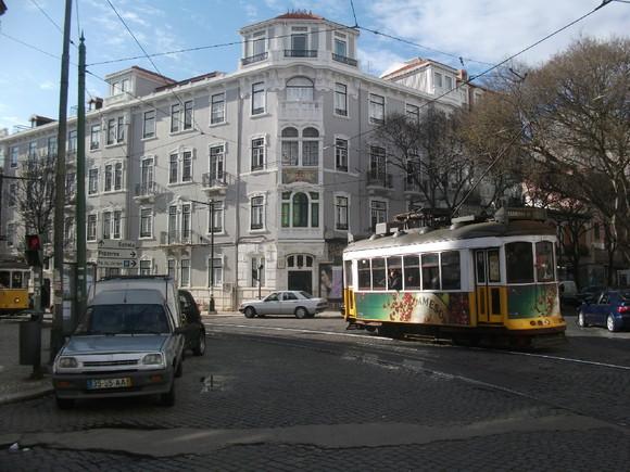 64 - R. Saraiva de Carvalho R. Domingos Sequeira.J