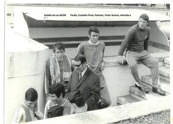 1968-69 estadio da luz-almeida.jpg