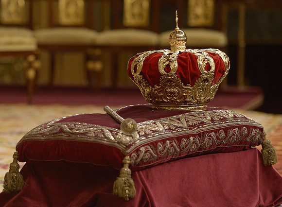crown--a.jpg