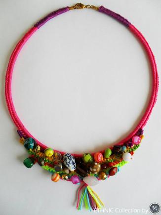 Ethnic Necklace_photo1.jpg
