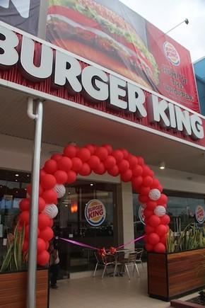 Inauguração Burger King em Díli