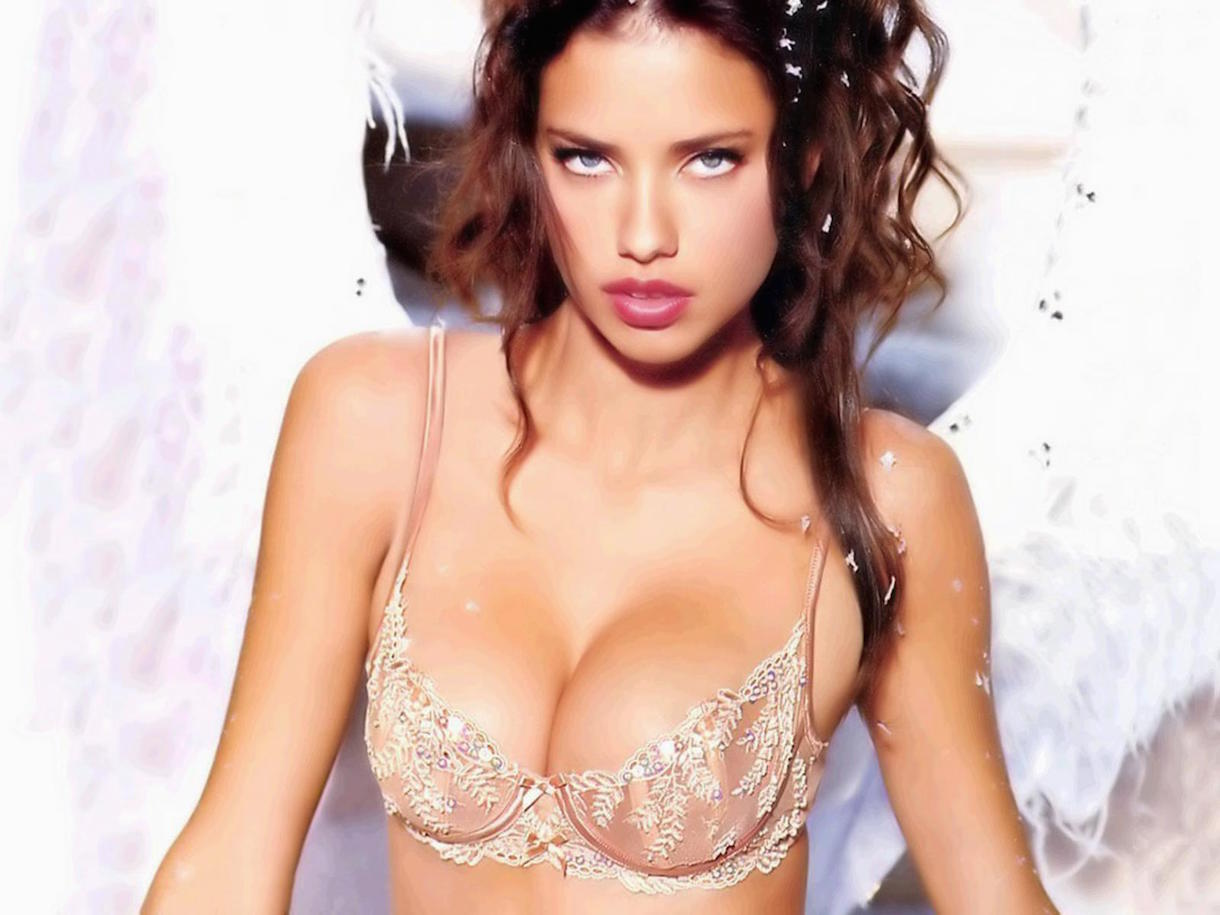 AdrianaLima90.jpg