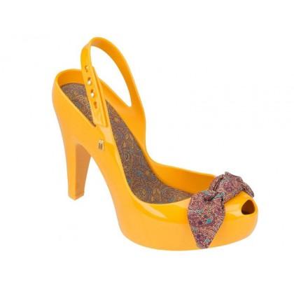 melissa-ultragirl_heel-iii-amarelo-dotter_2.jpg