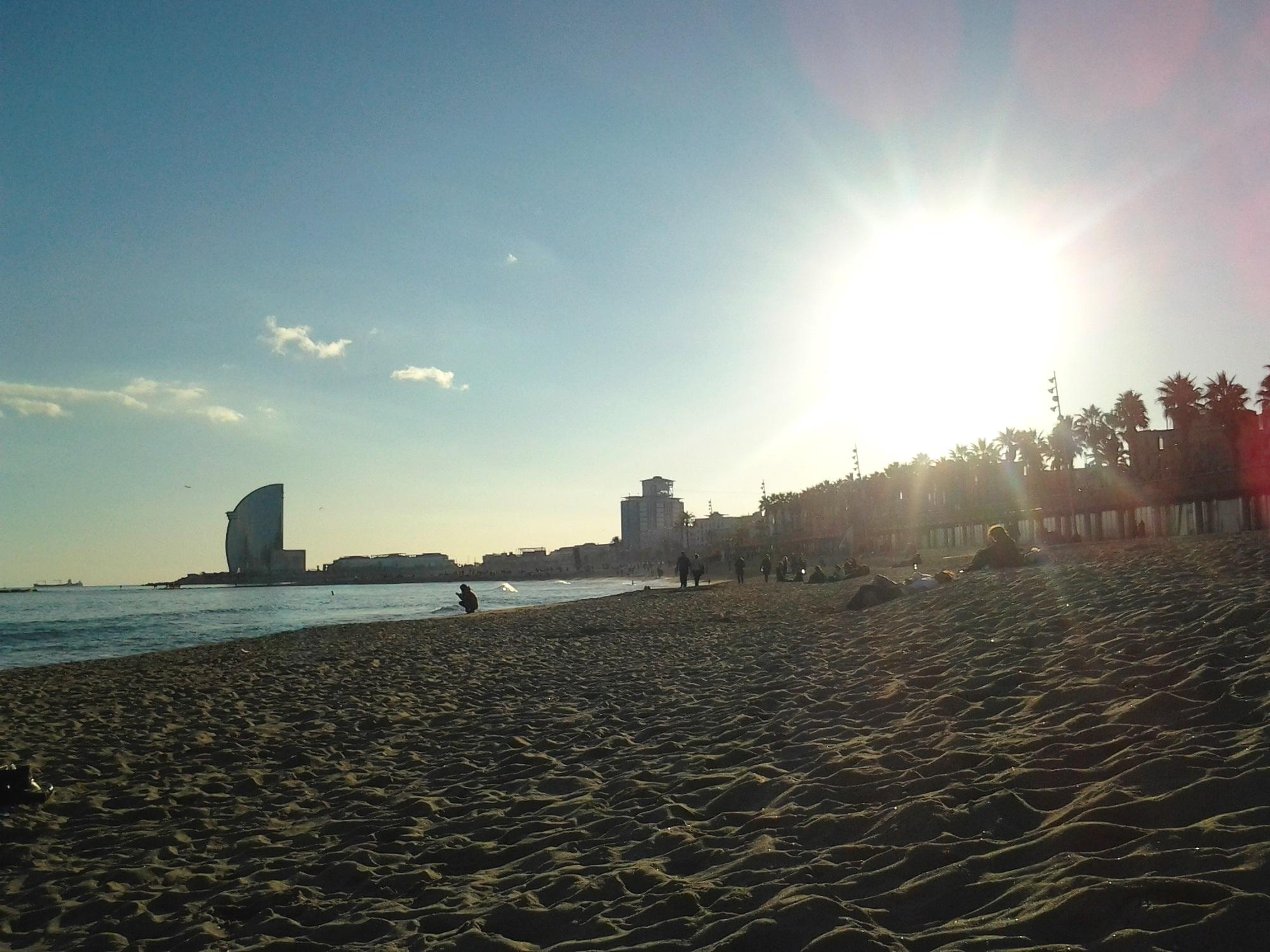 Praia da Barceloneta, Barcelona.jpg